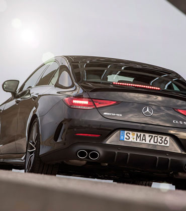 Mercedes Unveils 'Magic' Buttons in AMG CLS 53